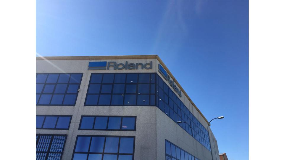 Inauguraci n oficial de nuevas oficinas de roland dg en for Oficinas de iberia en madrid